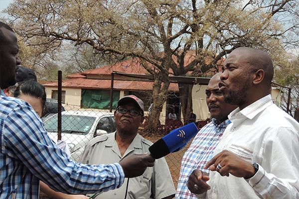 <p>Mmusi Maimane: farmers treated shamefully</p>